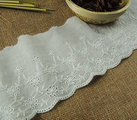 5 Yards of 9.5cm Width Vintage Cotton Floral Eyelet Lace Fabric Trim