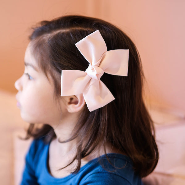 Large Shell Pink Loop Bow Clip