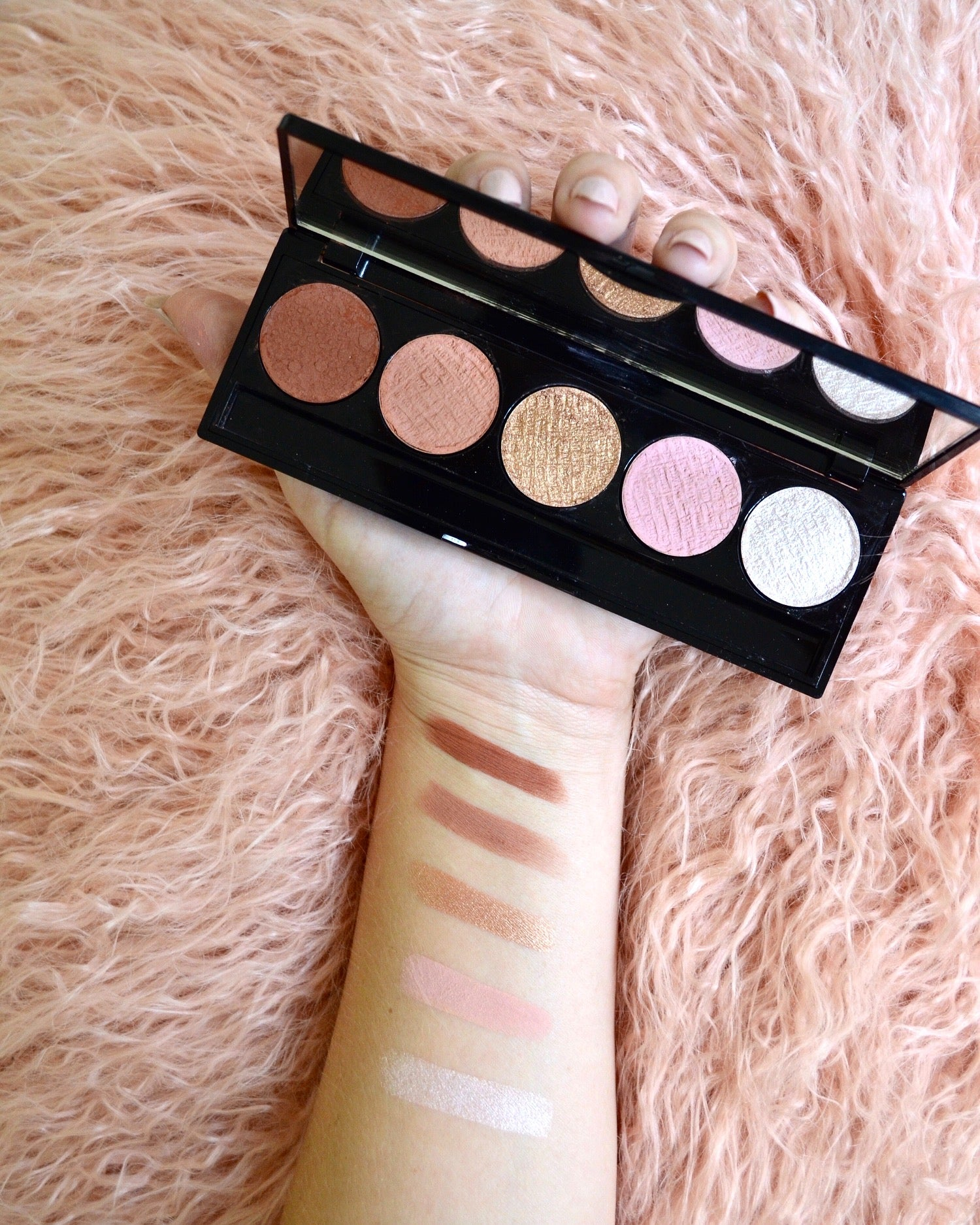 MATTE & SHIMMER SHADOW PALETTE - JUST PEACHY