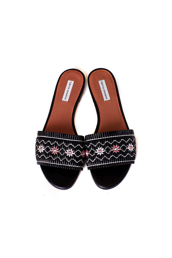 DIZZY LEATHER EMBROIDERED SANDALS