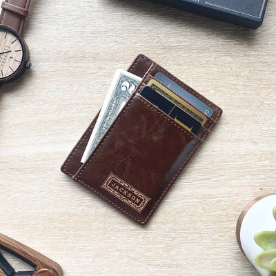 Front Pocket Wallet: Classic