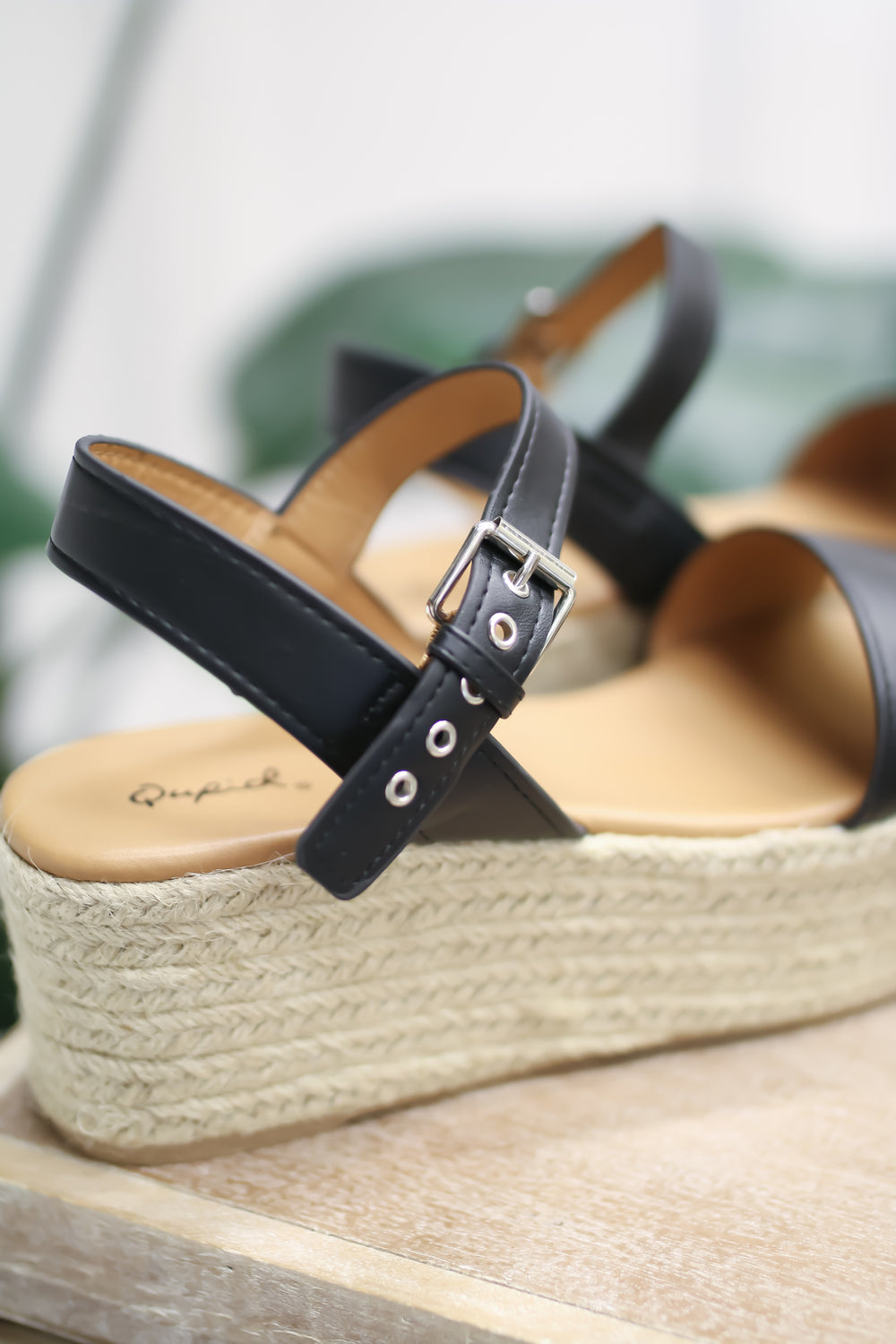 The Scottsboro Wedge - Black