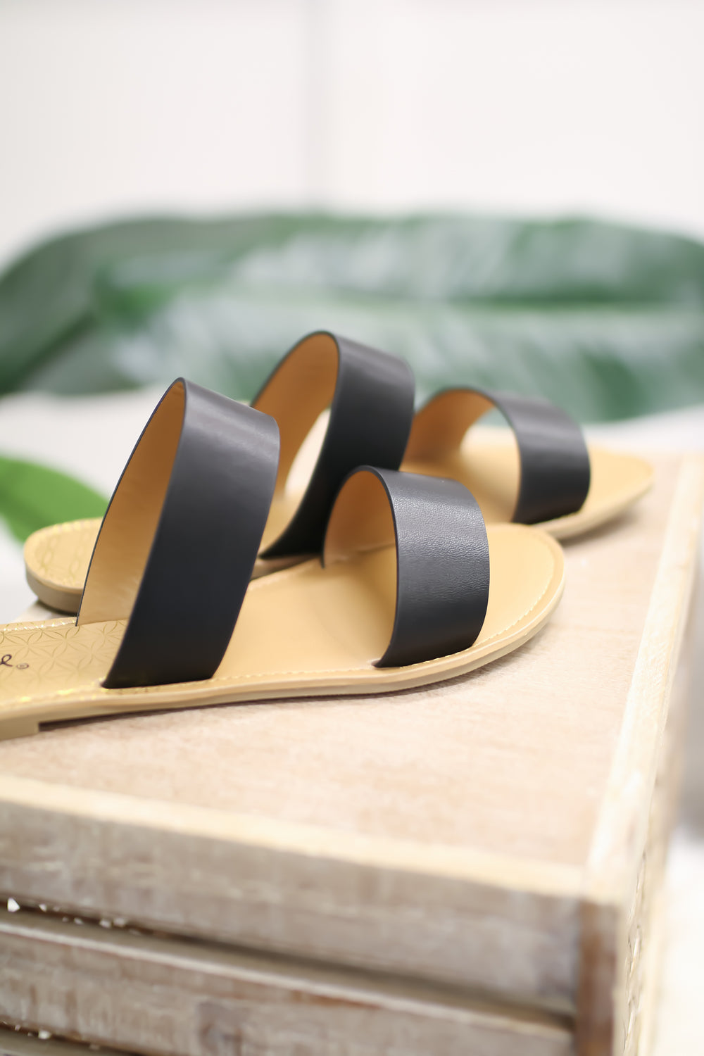 The Glendale Slides - Black