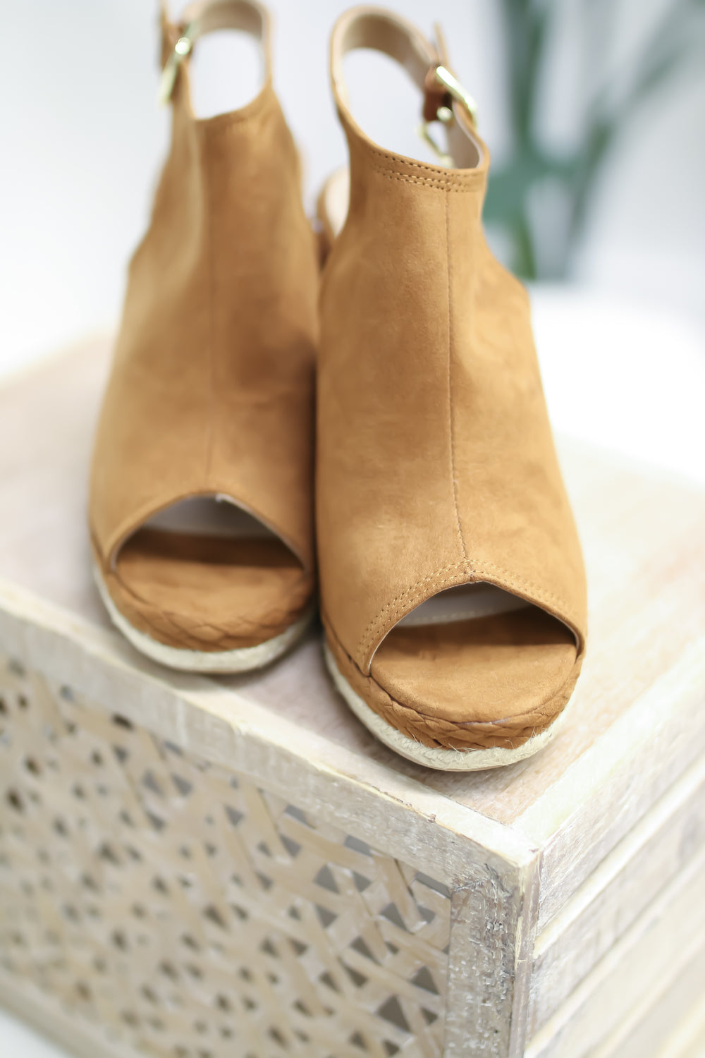 The Marco Island Wedge - Chestnut