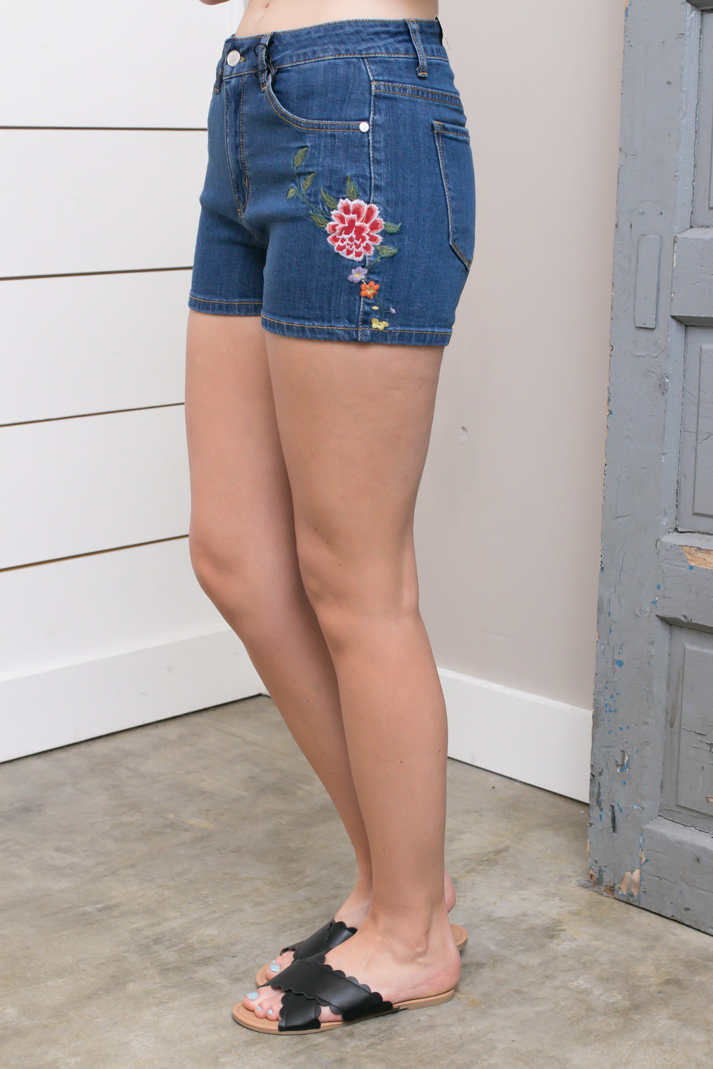 Medium Floral Embroidered Shorts