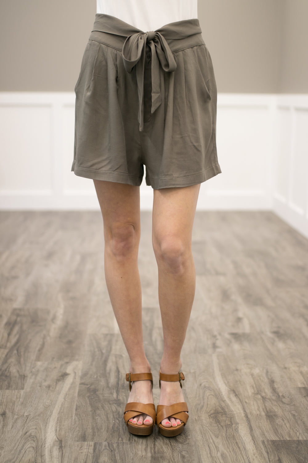 Where The Wind Blows Linen Shorts - Olive
