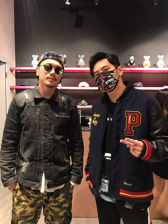 SURPRISE! 周杰倫 Jay Chou just visited the Singapore PHANTACi store.