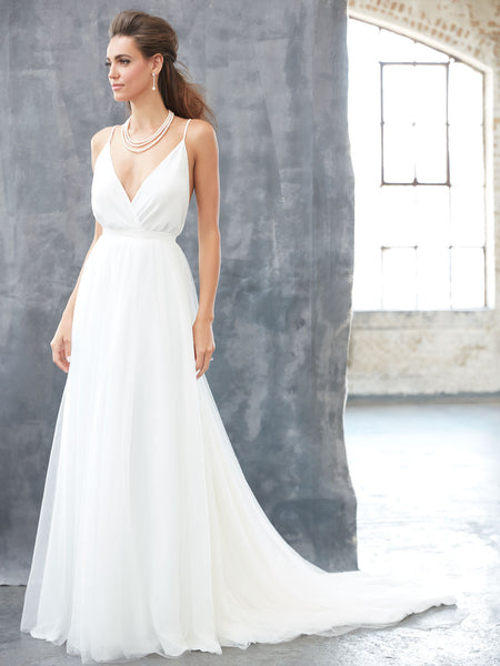 Chic Chiffon V-Neck Destination Wedding Dress