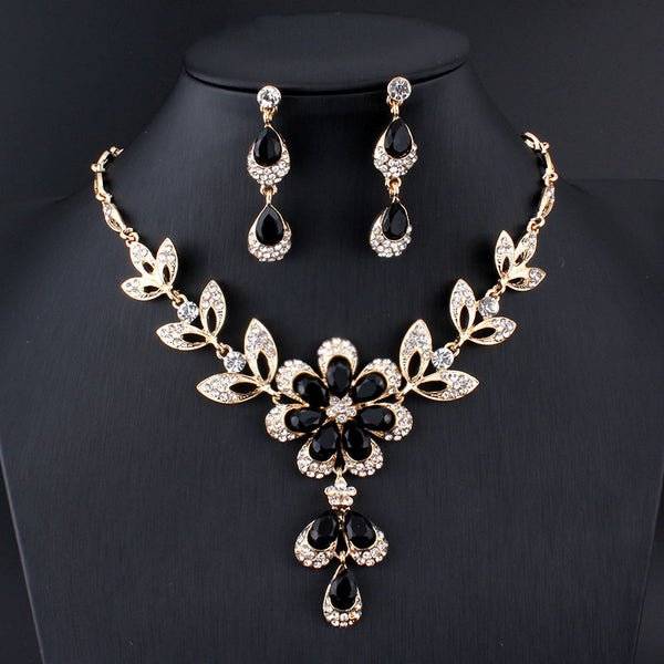 Crystal Daisy 3 Piece Necklace Set