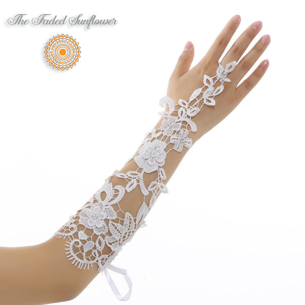 Boho Lace Fingerless Bridal Gloves