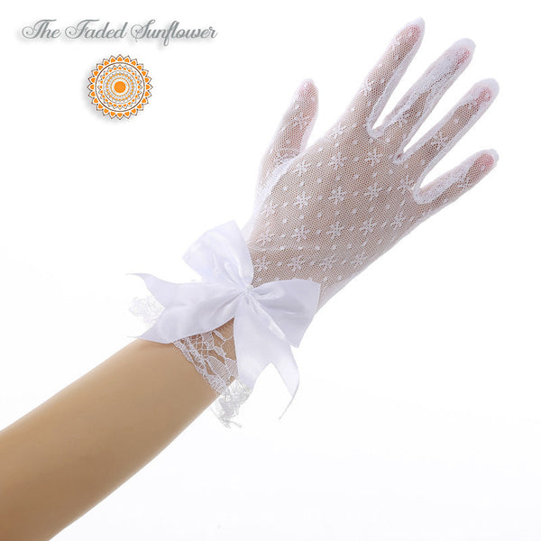 Vintage Short Lace & Bow Bridal Gloves