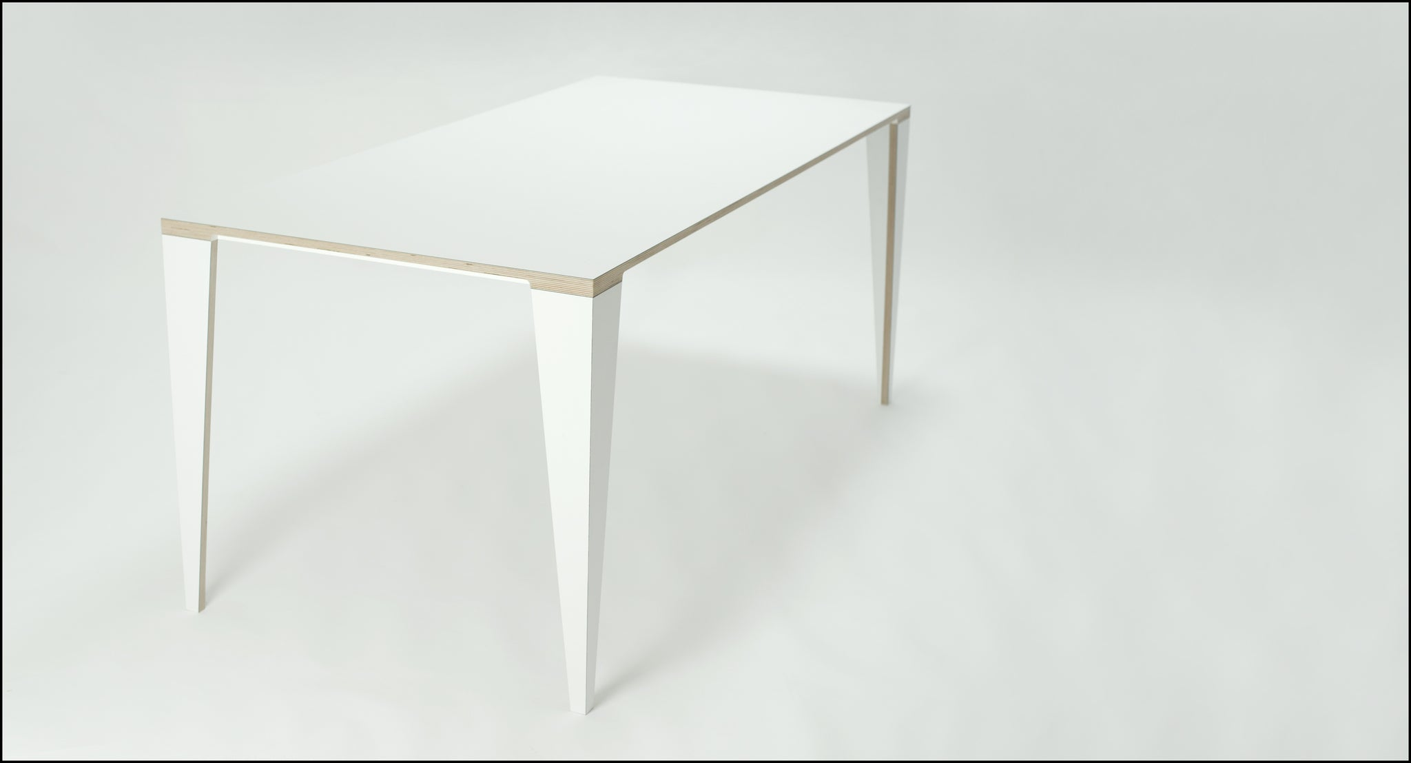 Table AT.5 / White - Available to order