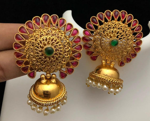 Jhumka with big kemp stone stud
