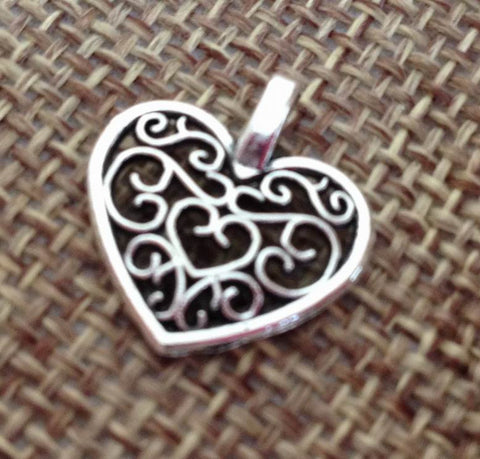 15pcs Heart Pewter Charm filigreen