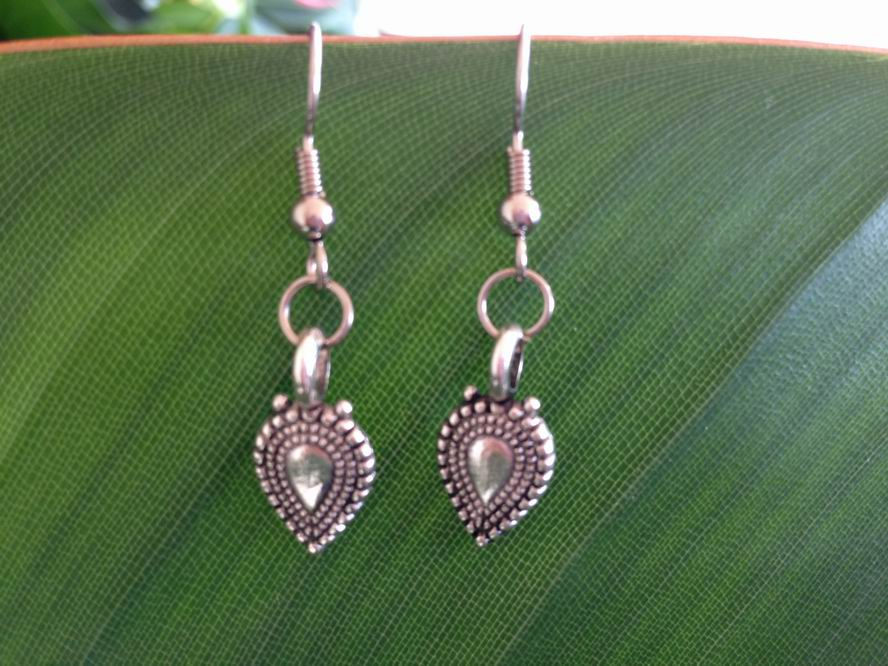 Oval Shape Filigree Earrings