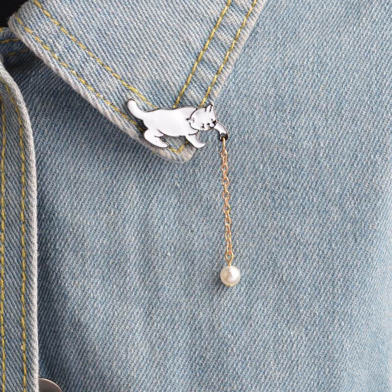 cat lapel pin