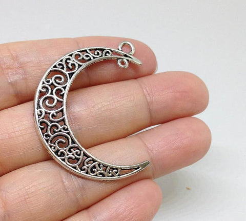 10 Large Ornate Crescent Moon Pendant