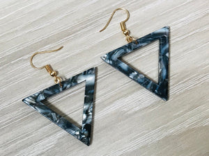 Tortoise Triangle Earrings Grey
