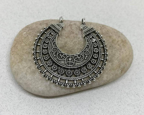 5 Bohemian necklace pendants