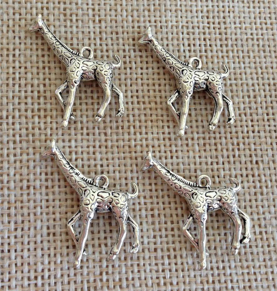6 Giraffe Charms wholesale pewter charm