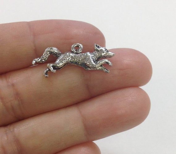 6 Running Fox Charms wholesale pewter charm