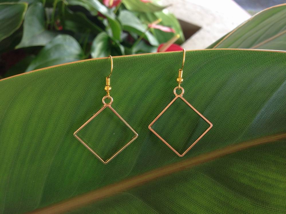 wholesale geometric diamond shape earrings gold