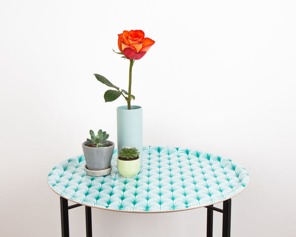 Foldable tray table from MAiK London