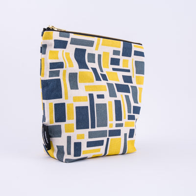 Macaw Make Up Bag - MAiK sustainably sourced, ethically produced.