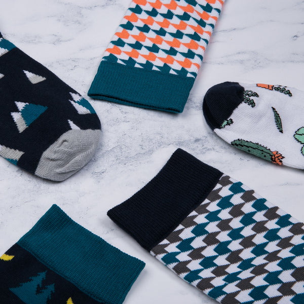 Coral and Green geometric socks from MAiK