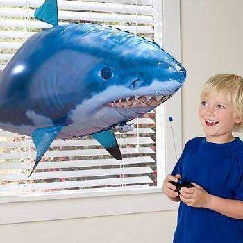 AirSwimmer Remote Control Air Swimming Fish - Swims Through the Air!:Hobbies Unleashed