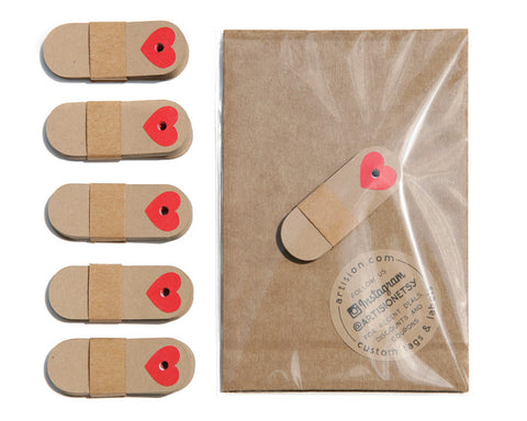 Mini Kraft Tags with Red Hearts 12-pk