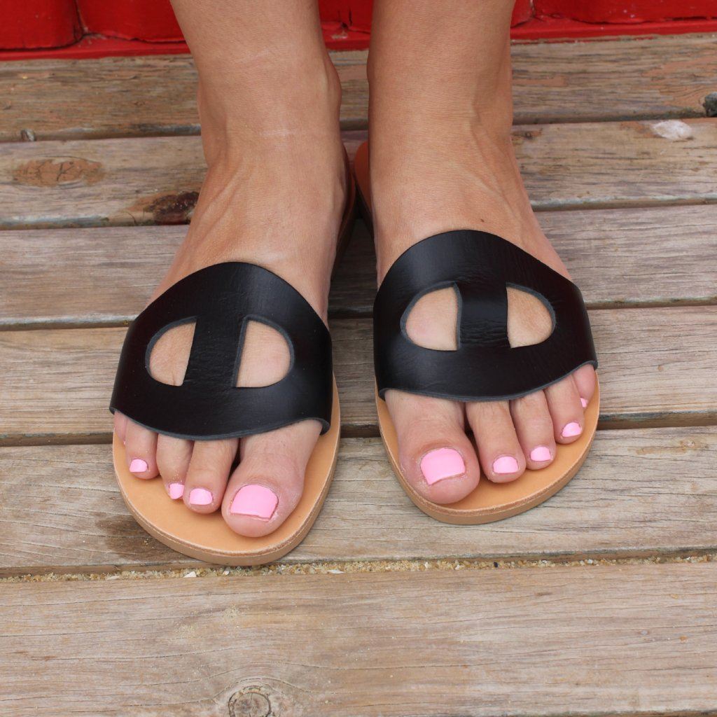 Dione Sandals Size