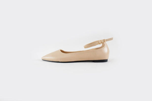 Luna - Pointy Flats with Ankle Strap - Ivory