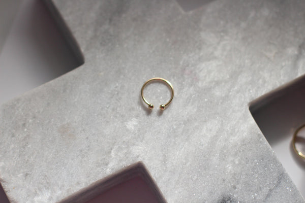 Small Gold Minimalistic rings