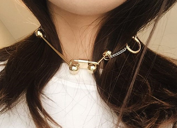 Mixed metals choker