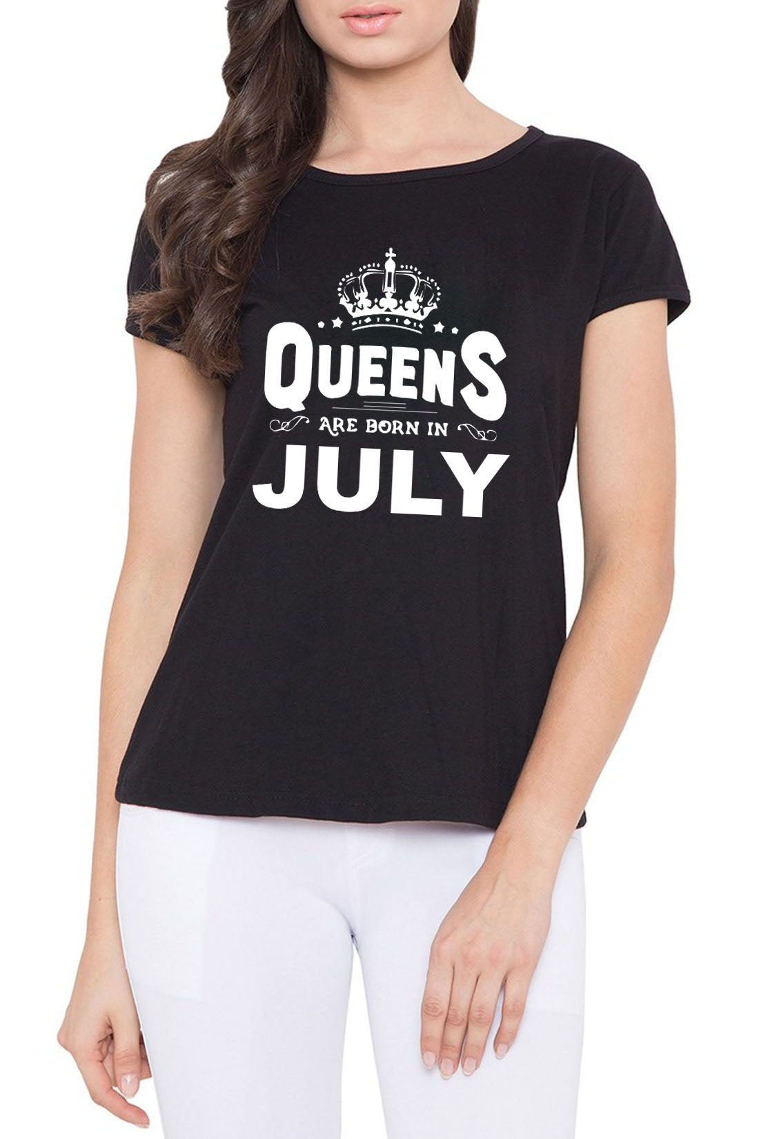 Birthday 7 0 -Queens are born in July Roundneck T-shirt