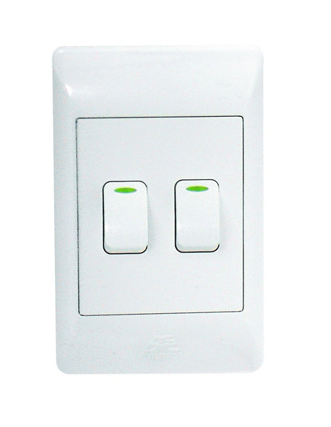 2-LEVER 1-WAY SWITCH 2x4 C/W WHITE COVER PLATE