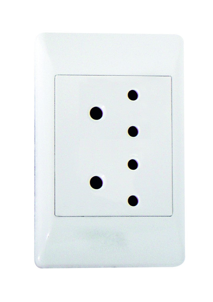 STANDARD 2X5A SOCKET 2x4 C/W WHITE COVER PLATE