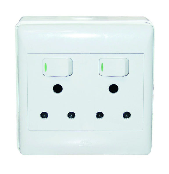 2x16A SWITCHED SOCKET OUTLET 4x4 C/W SURFACE BOX