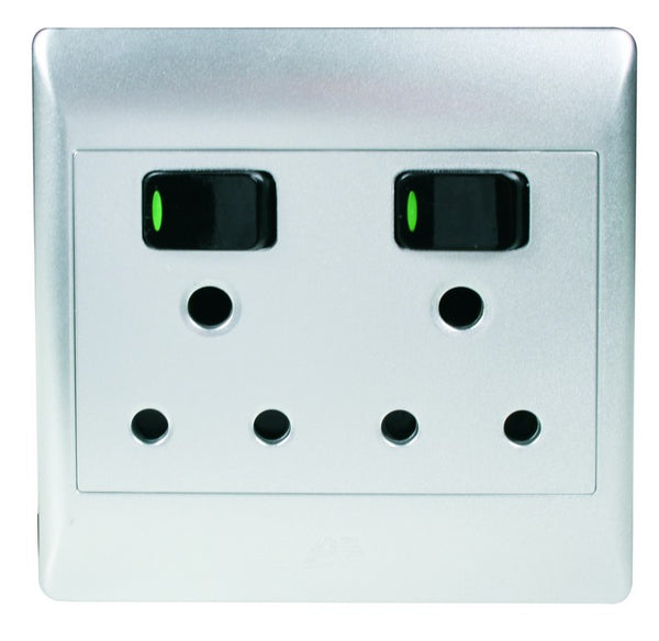 2x16A SWITCHED SOCKET OUTLET 4x4 C/W SILVER COVER PLATE