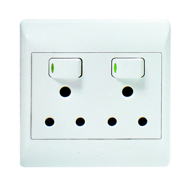 2x16A SWITCHED SOCKET OUTLET 4x4 C/W WHITE COVER PLATE