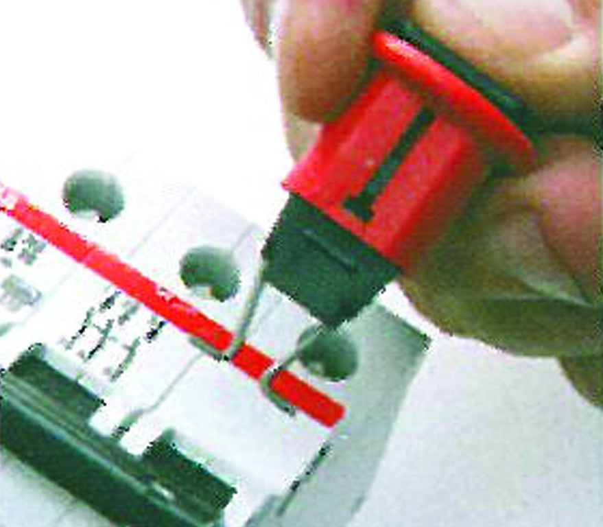 LOCKOUT DEVICE FOR MCCB UP TO 57.7mm WIDE /1