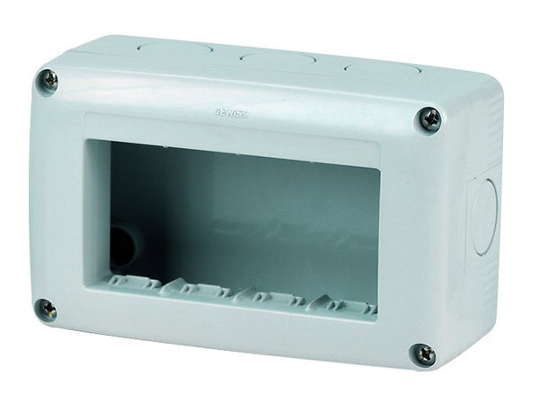 4(4x1) GANG HORIZONTAL ENCLOSURE IP40