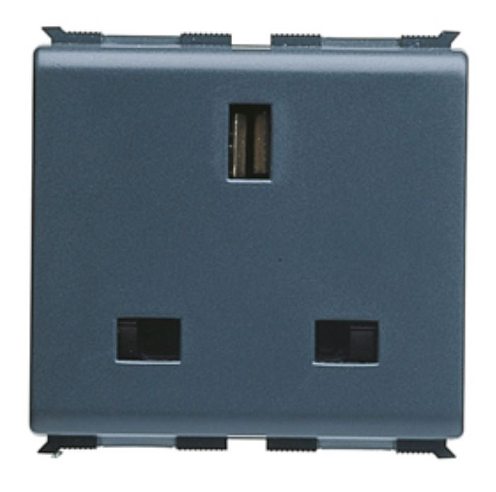 2P+E 13A BRITISH SOCKET OUTLET