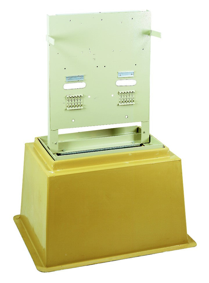 F/GLASS SHROUDED DISTRIBUTION KIOSK 15 WAY