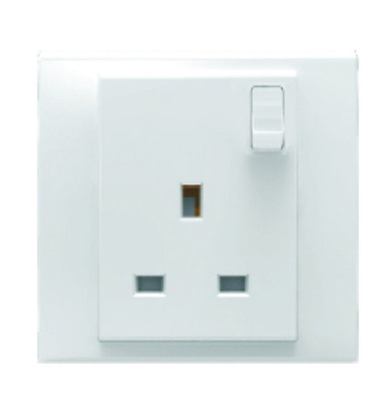BRITISH SWITCHED SOCKET 13A WHITE FOR 3X3 BOX