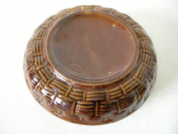 Scottish Victorian brown glazed pottery spittoon made by Murray and Co. Glasgow
