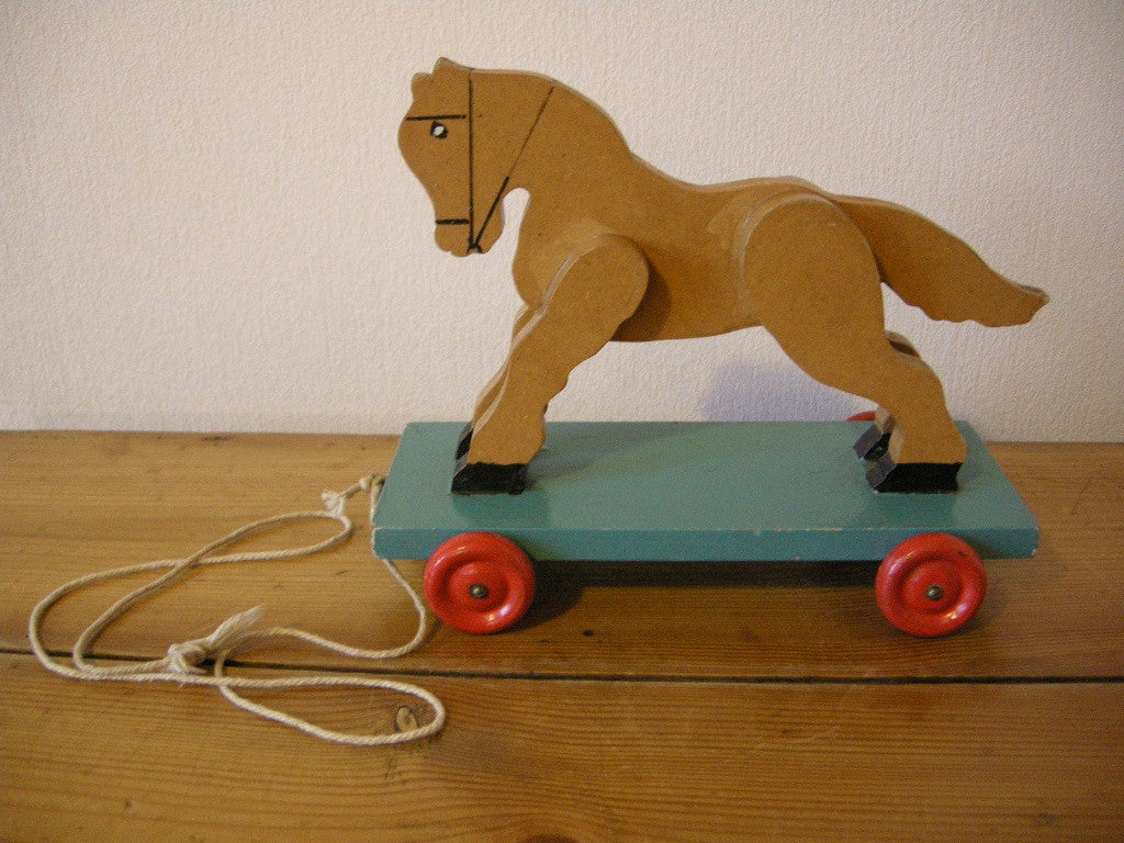 1950S CHILDS PULL ALONG WOODEN HORSE
