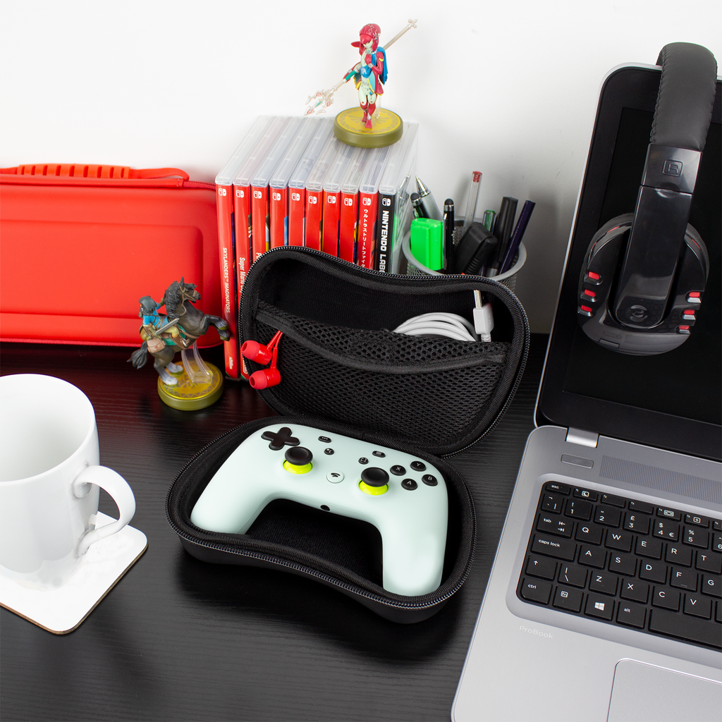 Stadia Bundle: Controller Case, Earphones & USB-C Cable