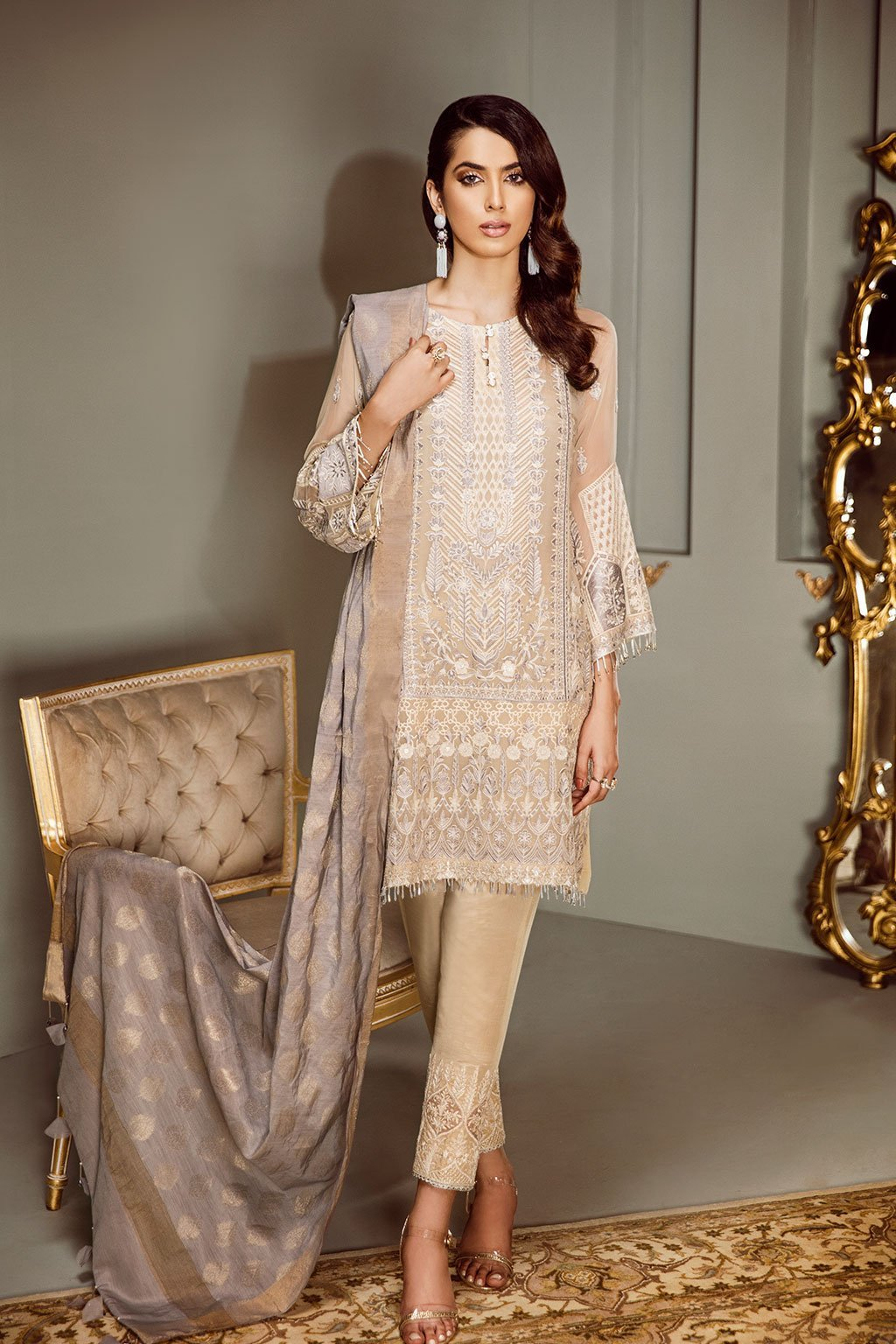 Baroque Isabella Chiffon 2018 suit Halo - Embroidered Kameez with salwar with patches and jacquard dupatta